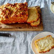 4de9d2bd 2a0e 4491 9327 403e53e6c025  2015 0909 garlic parmesan herb beer bread james ransom 006