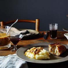 Mushroom and Roasted Garlic Gravy