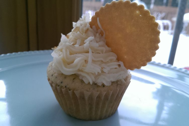 Coconut & Lemon Cupcakes with Lemon Marmalade Filling