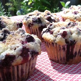 Blueberry-Limoncello Muffins with a Lemon Zest Crumble Topping