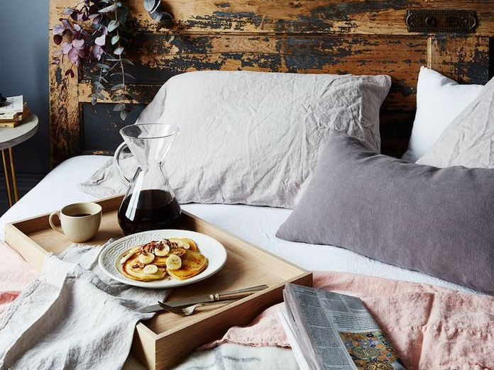 7 Ways to Be a Great House Guest This Summer
