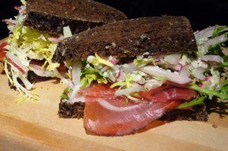 01636915 41f3 4c40 9449 ac127a4a3ce6  speck sandwich