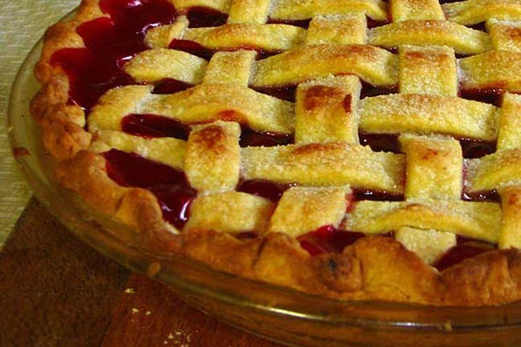 Taste-of-fall cherry pie
