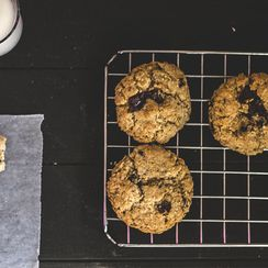 Oat and chocolate Chip Cookies