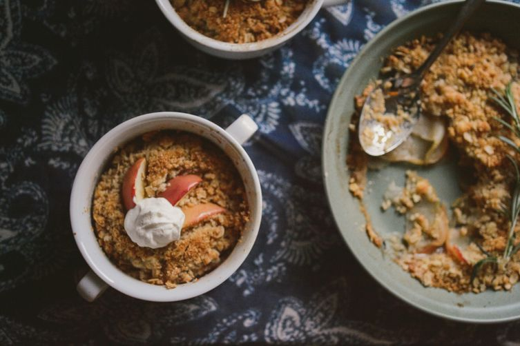 Bourbon Rosemary Apple Crisp