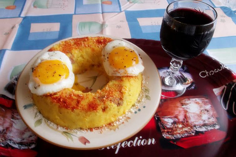 Saffron Polenta with Sausage and Corn