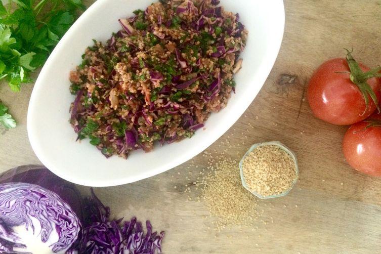 Eej: Spicy Red Cabbage & Bulgur Salad