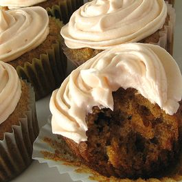 71452acf-3eed-41af-bfc8-67cde1958845--carrot-cupcakes-cream-cheese