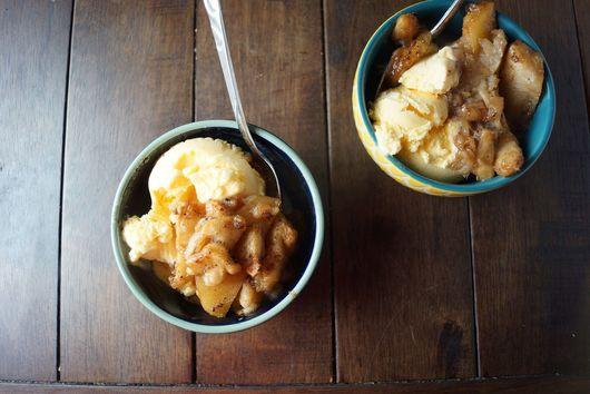 Chai-Spiced Roasted Apples