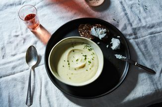 31336d23 383a 4871 986c 807120c1a80f  2016 0907 cauliflower and pear soup james ransom 145