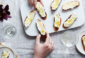 5 Tips for a Stress-Free Dinner Party
