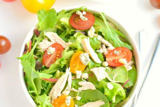 Tomato Chicken Gorgonzola Salad