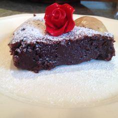 Flourless Chocolate Almond Cake (Gluten-Free)