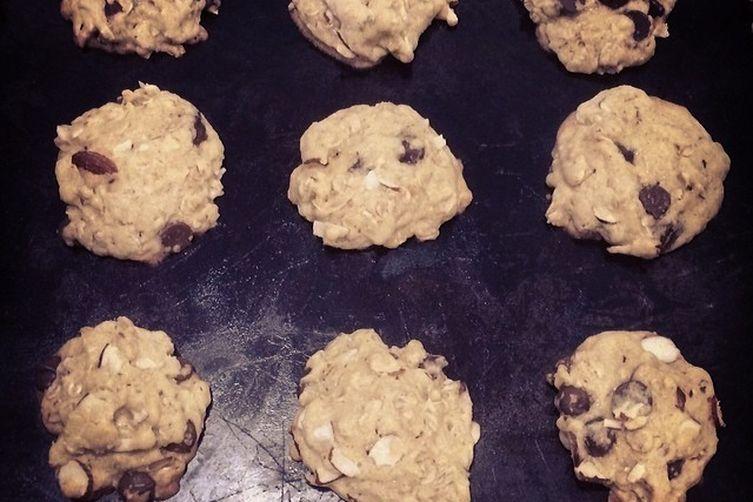 Choc-Oat Chip Cookies