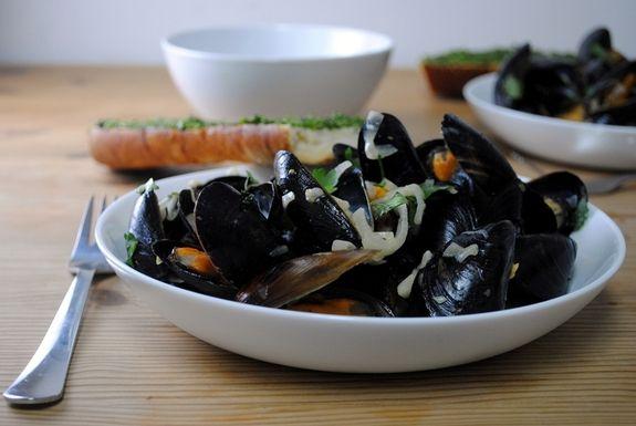 mussels in arak