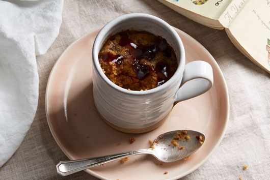 A 5-Minute Peanut Butter & Jelly Mug Cake (That Happens to Be Gluten-Free)