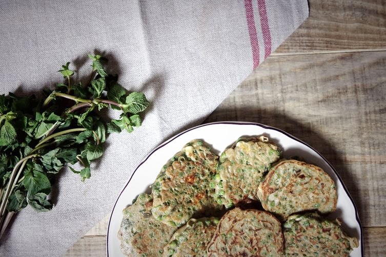 Vegetarian patties with peas