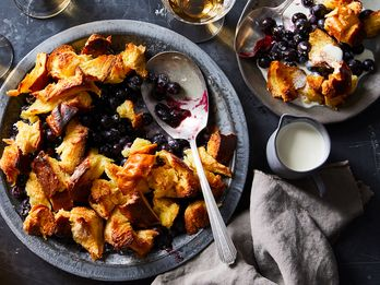 5-Ingredient Blueberry Pandowdy Is (a Lot!) Easier Than Pie