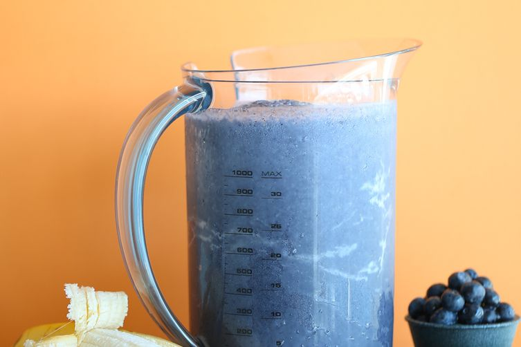 Creamy Blueberry Banana Smoothie