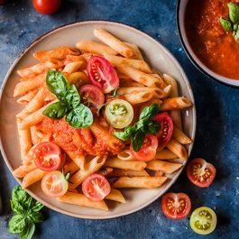 Easy Pasta in Fresh Tomato Sauce