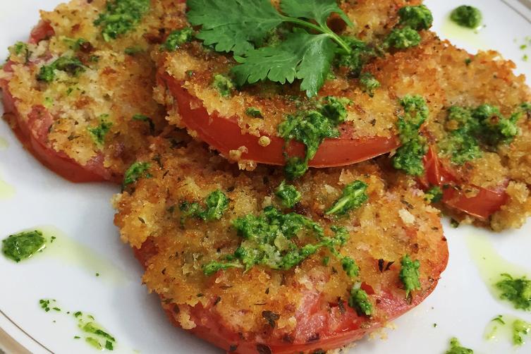 Panko-Crusted Beefsteak Tomatoes + Cilantro Garlic Pesto