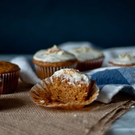 Pumpkin Cupcakes with Maple Cream Cheese Frosting, Half-Batch