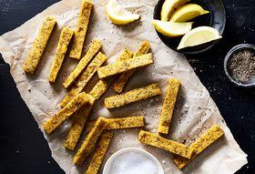 1a4c8bb6 efaf 4e55 bb20 4a3935dfff51  2018 0405 herb lemon polenta chips fries 3x2 julia gartland 332