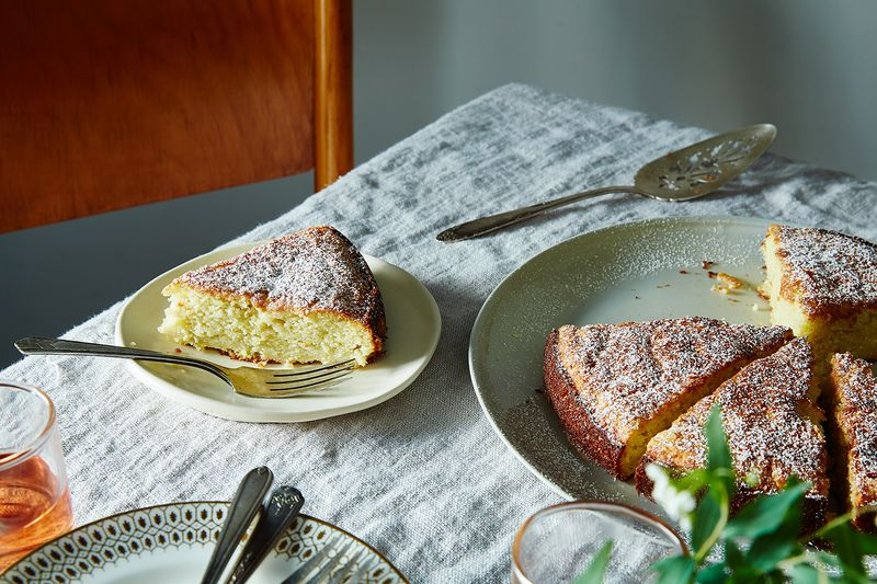 Louisa's Cake by Jennifer Wagner
