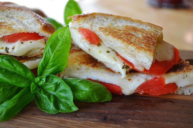 Mozzarella, Tomato & Oregano Grilled Cheese
