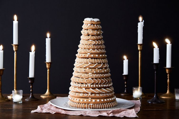 Gingerbread Kransecake