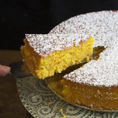 Esmae's Orange & Almond Cake