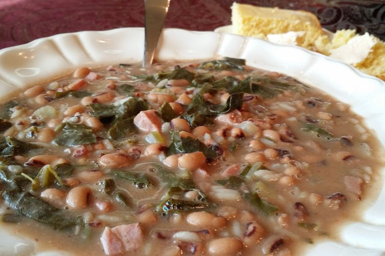 Black Eyed Peas And Collard Greens My Take On Hoppin John Recipe