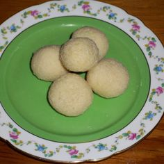 Almond candy try to be Raffaello