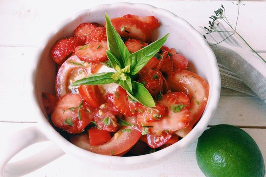 Strawberry & 2 Tomato Red Red Salad