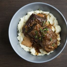 47c69c4c 8055 4e3f af18 a9be2b3a38d8  beer braised ribs