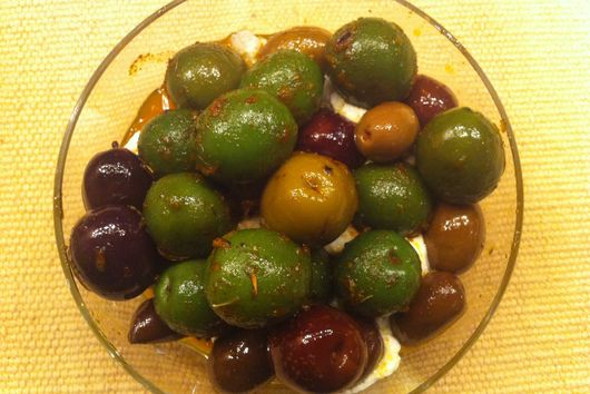 Lemon Perfumed Warm Olives