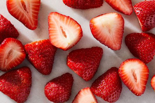This Strawberry-Washing Hack Is All Over the Internet. But Does It Work?