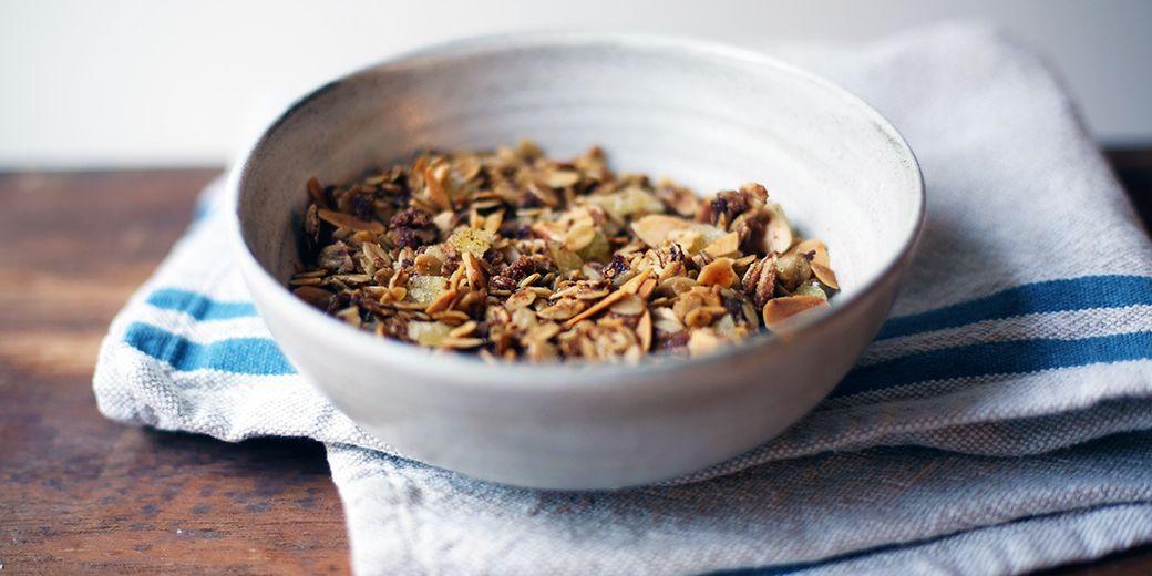 Spicy-sweet-crispy gingersnaps—in oaty breakfast form