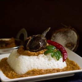 STUFFED EGGPLANT CURRY
