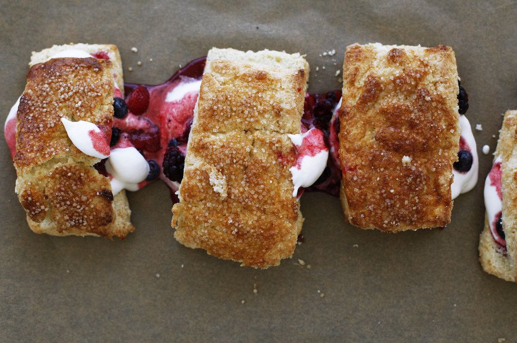 how to make biscuits with summer berries