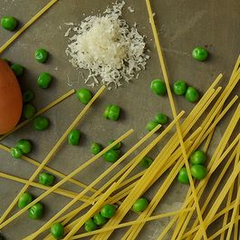 Pasta with Leeks, Peas, Parmesan and a Fried Egg