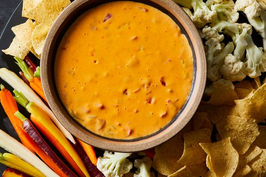 Mom's 'Instant Party' Chile con Queso