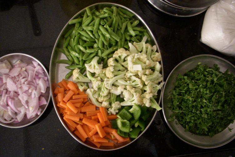 dadi's cauliflower, carrot, and green bean coconut stew