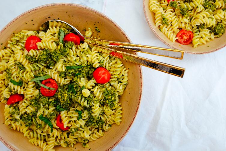 The best gluten-free vegan pesto pasta