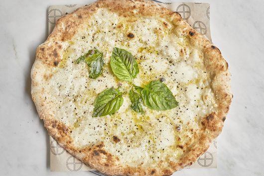 SIMÒ Pizza's Cacio E Pepe Pizza