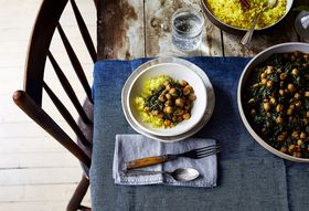 D65af1f5 65cd 4cf2 a309 ce8dce073bf7  2017 0606 spicy creamy chickpeas and spinach chana saag julia gartland 115
