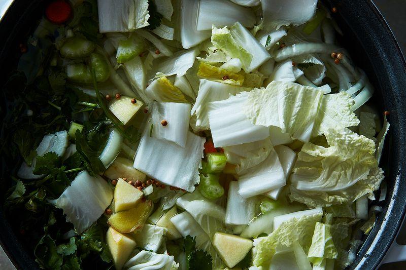 18d123d9 9fa1 4b1f a41b f18409ce2724  2017 0131 andrea nguyen genius vegan chicken pho james ransom 319 - How Pho Genius Andrea Nguyen Makes a Richer Vegan Broth
