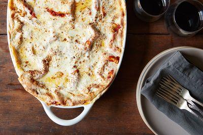 Bc410243 3aa8 46f3 9451 ead6df3ffda0  vegetarian lasagna food52 mark weinberg 14 07 01 0458