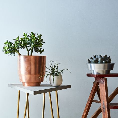 Spun Planter & Wall Mount