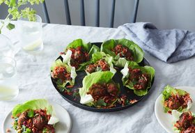 A9929859 67a6 4db5 9456 5d1392fa894b  2016 0816 amy s meatless meatballs lettuce wrap linda xiao 250